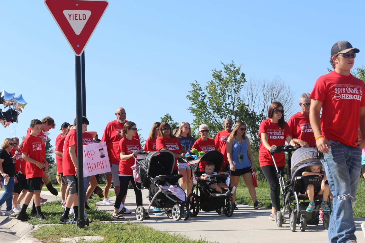 More than 500 people gathered at Holt High School for the Walk to Stop Heroin.