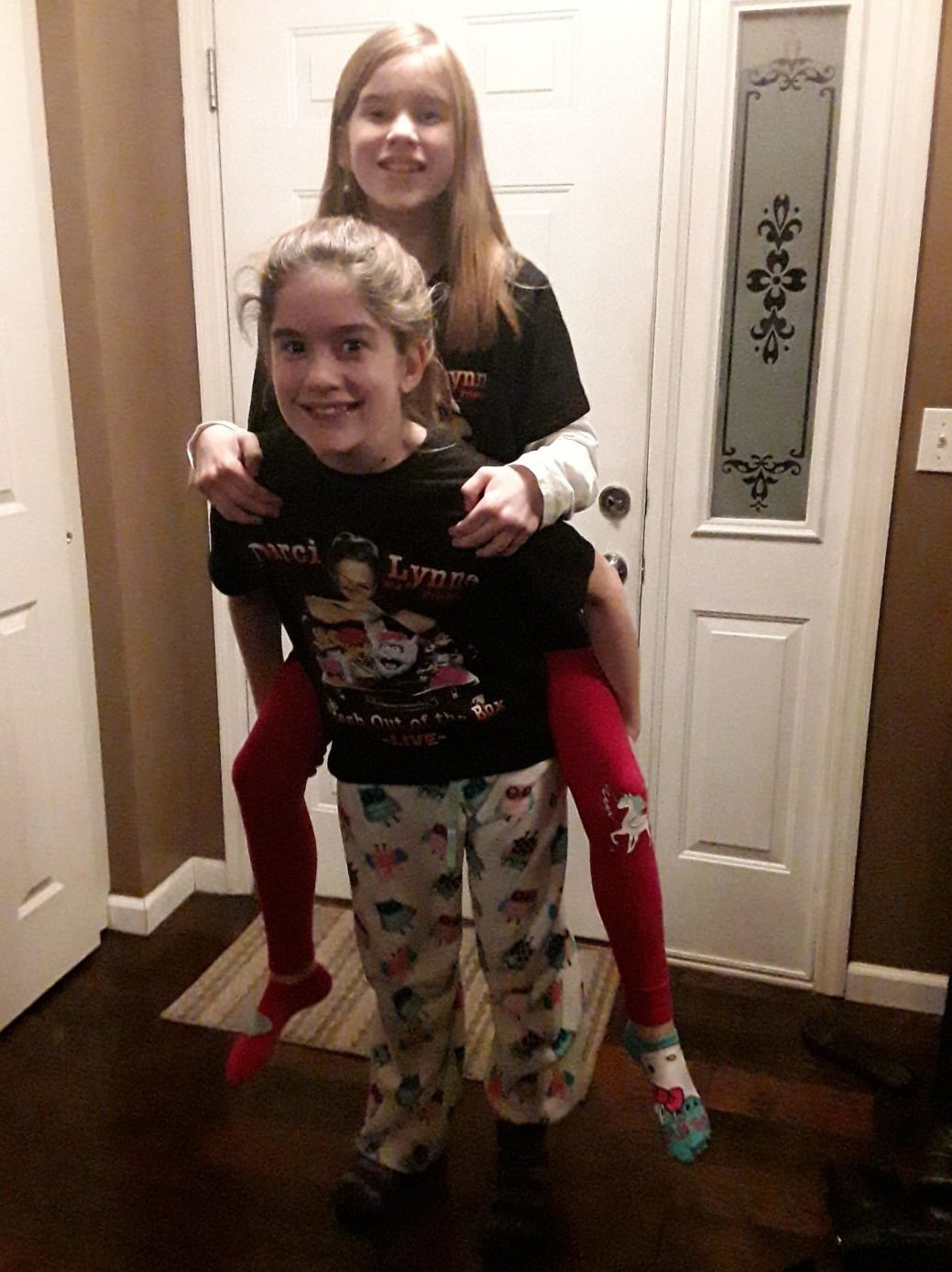 My little sisters Lydia and Madelyn and I went to see ventriloquist and America's Got Talent winner Darci Lynne Farmer. Madelyn begged endlessly for Dearci Lynne tickets and she just so happened to be the one my mom was struggling to buy for this Christmas.