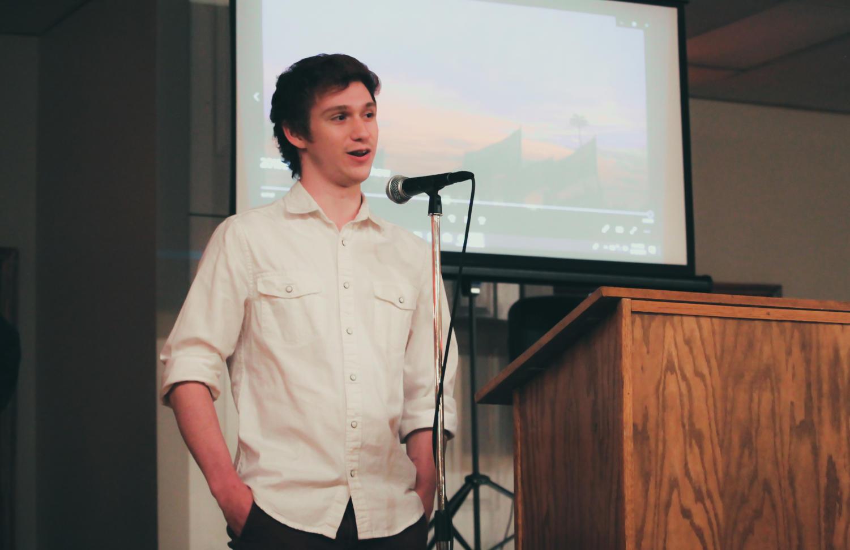 Braden+McMakin+gives+his+senior+speech