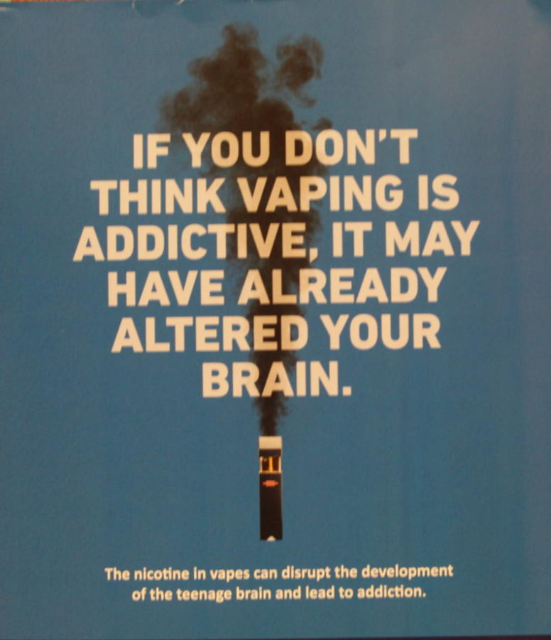 A+poster+describes+one+of+the+effects+of+vaping.+