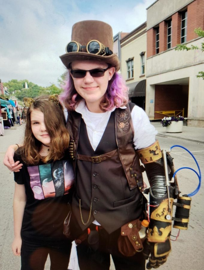 The+most+intricate+part+of+this+costume+Shawn+made+for+himself+was+the+elaborate+steampunk+sleeve.