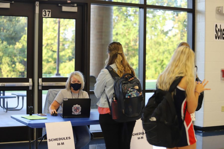 Students request changes in their schedule in the Commons, where counselors have been moved to accomodate large numbers of students.