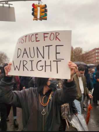 People protesting for justice in the death of Daunte Wright.